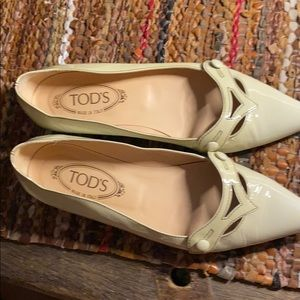 Tods creamy color retro slipons